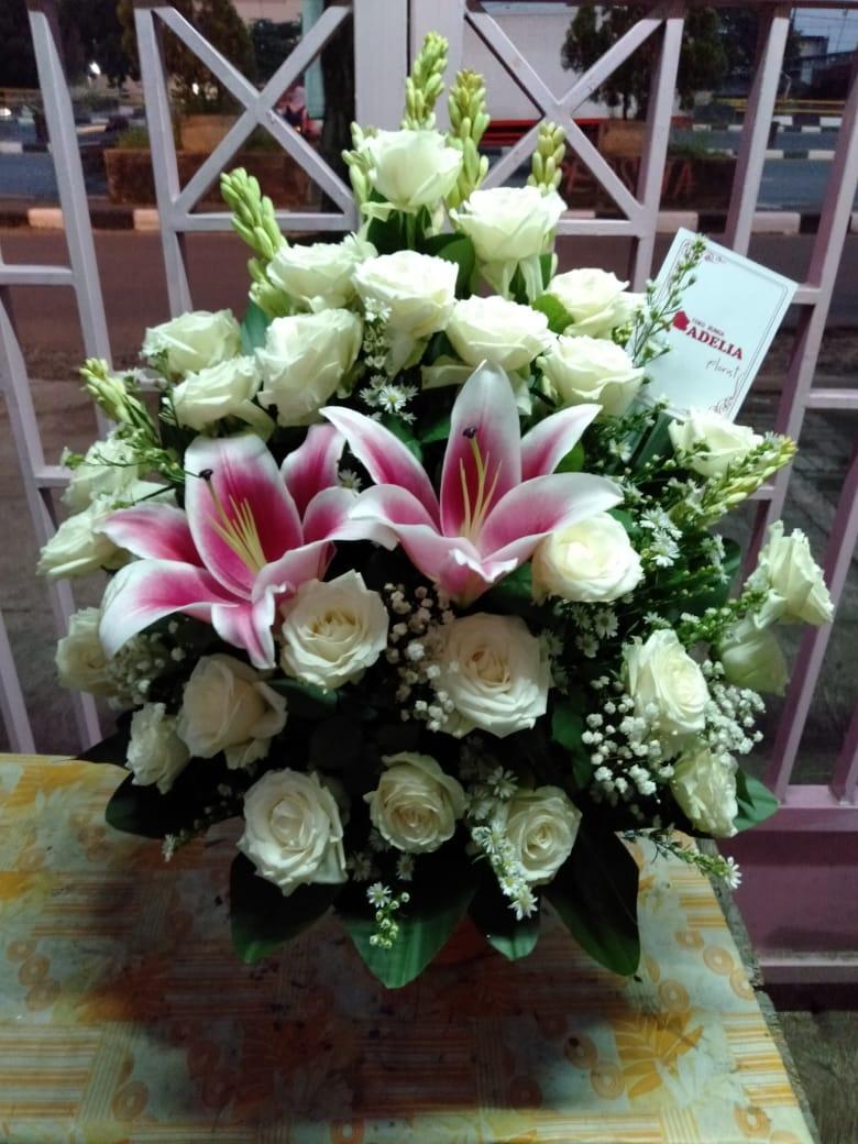 Jual Bunga Wisuda FB6 – Bunga Rangkai Putih