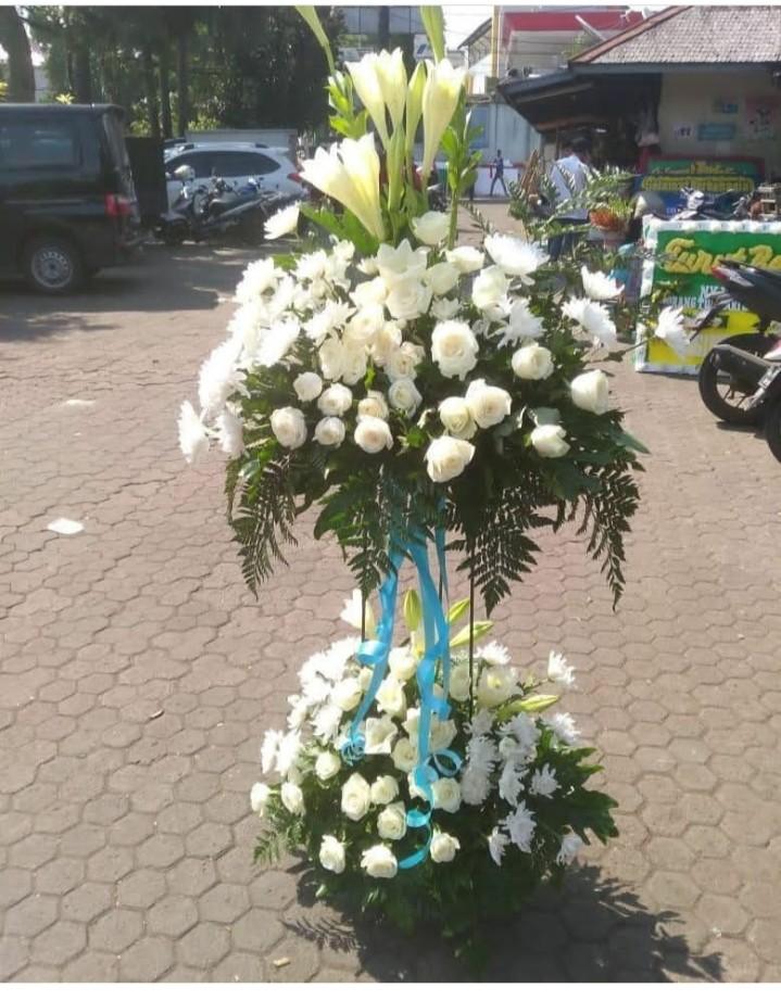 Jual Bunga Stand SF9 – Standing Flower White